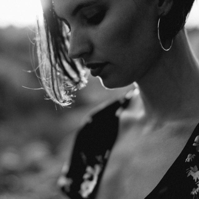 photographe portrait rouen - sylvain marchand - portraits naturels - photographe lifestyle - portraits de femme -seance photo lifestyle - portraits artistiques normandie
