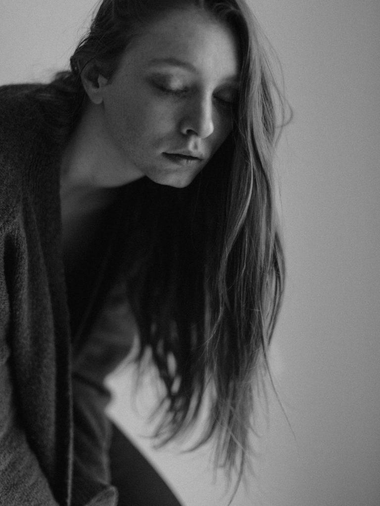 séance portrait - photographe portrait rouen - sylvain marchand - portraits naturels - photographe lifestyle - portraits de femme -seance photo lifestyle - portraits artistiques normandie